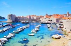 Porta velha em Dubrovnik fotografia de stock