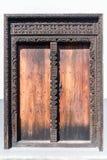 Porta velha na cidade de pedra em Zanzibar imagens de stock