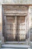 Porta velha na cidade de pedra em Zanzibar fotos de stock royalty free