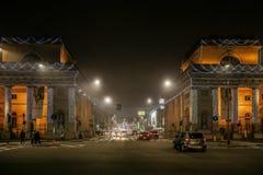 Porta Venezia nocy obrazek na mgle, dekorującej dla bożych narodzeń Obraz Royalty Free