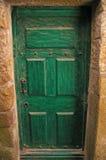Porta verde velha Fotos de Stock