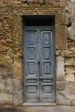 Porta velha e parede de pedra Fotografia de Stock