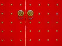 A porta vermelha imagens de stock