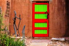 Porta vermelha e verde Fotografia de Stock Royalty Free