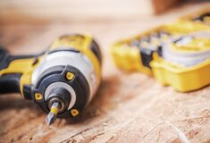 Free Portable Cordless Power Power Drill And Bits Stock Photography - 183443762