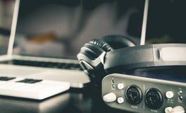 Portable home do estúdio da música imagens de stock