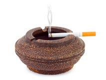 Portacenere e sigaretta Immagine Stock Libera da Diritti
