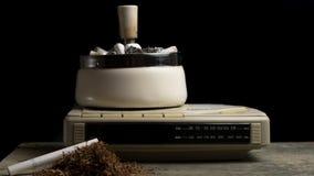 Portacenere in pieno delle sigarette Fotografie Stock Libere da Diritti