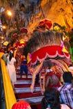 Portador de Kavadi na maneira até a caverna de Batu Imagens de Stock Royalty Free