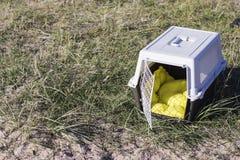 Portador del animal doméstico para viajar Imágenes de archivo libres de regalías