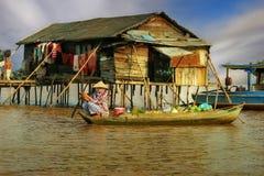Portador por un boat-2 Fotografía de archivo libre de regalías