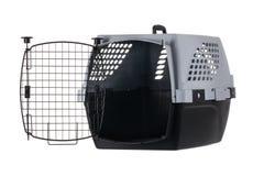 Portador vazio do animal de estimação com o estar aberto isolado no fundo branco Imagens de Stock