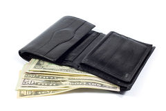 Portafoglio di cuoio nero in pieno di soldi su bianco Fotografie Stock