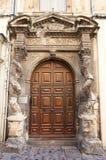 Portail d'Hotel de la Lauziere (XVII C.). Arles, France Images stock