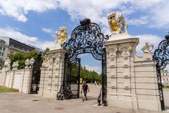 Portail de luxe de palais de belvédère à Vienne photographie stock libre de droits