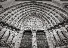 Portail gothique de Notre Dame de Paris, France Image libre de droits