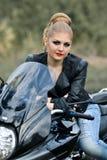Portait девушки на велосипеде Стоковое Фото