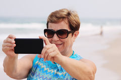 Portait счастливой старшей женщины Стоковые Изображения RF