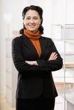 Portait de la mujer de negocios en oficina Imagen de archivo libre de regalías