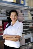 Portait eines Einzelhandelsgeschäftinhabers Lizenzfreies Stockbild