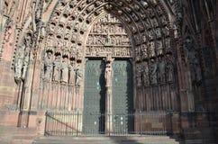 Portal av domkyrkan av Strasbourg i Frankrike Arkivfoto