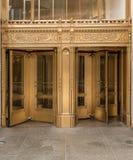 Portal magnífico cladded en latón imagenes de archivo