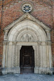 Portal medieval da igreja Fotos de Stock