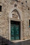 Portale con l'aquila del palazzo di Rossini in Sibenik Fotografie Stock