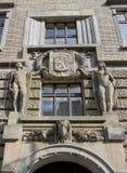 Portale decorativo di vecchia costruzione Fotografia Stock Libera da Diritti