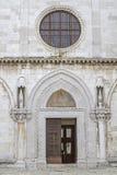 Portale della cattedrale in Capodistria fotografia stock