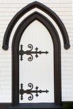 Portaleintrittsarchitektur der schwarzen weißen Holztür Lizenzfreies Stockbild