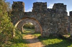 Portar av den Egri slotten på Pilis Arkivfoto