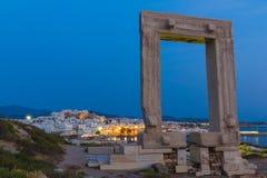 Portara in Chora-Stadt, Naxos-Insel, die Kykladen, ägäisch, Griechenland stockfotografie
