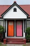 Portas alaranjadas e cor-de-rosa fotografia de stock