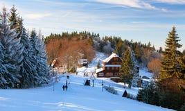 Portas chalet, winterse mening van Javorniky-bergen royalty-vrije stock fotografie