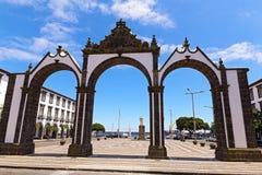 Portas da Cidade bramy w Ponta Delgada kapitał Azores, Portugalia Zdjęcie Stock