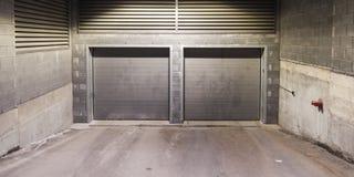 Portas da garagem do metal Imagens de Stock