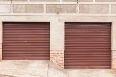 Portas da garagem dois Imagem de Stock Royalty Free
