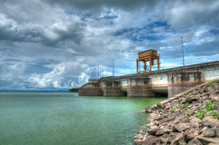 Portas de água da represa (HDR) Fotografia de Stock Royalty Free