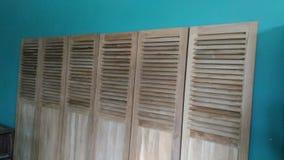 Portas de madeira bonitas das artes e da arquitetura Fotografia de Stock Royalty Free