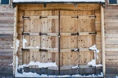 Portas de madeira do celeiro velho Fotografia de Stock Royalty Free