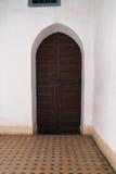 Portas de madeira em Bahia Palace - C4marraquexe - Marrocos fotos de stock
