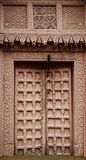 Portas de madeira velhas com texturas fotografia de stock royalty free