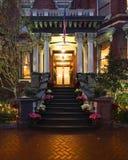 Portas e entradas cênicos, arquitetura original, velha, decorada Fotos de Stock