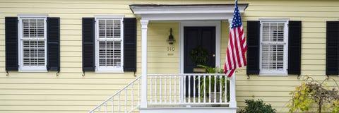 Portas e entradas cênicos, arquitetura original, velha, decorada Imagens de Stock