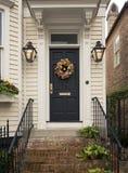 Portas e entradas cênicos, arquitetura original, velha, decorada Fotos de Stock Royalty Free