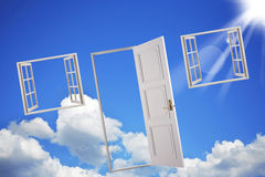Portas e indicadores no céu Imagem de Stock
