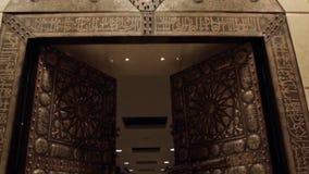 Portas grandes St Petersburg interior galeria das artes Interior do museu O reservatório subterrâneo da basílica em Istambul Fotos de Stock Royalty Free