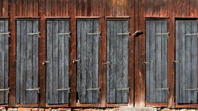 Portas na vertente de madeira Foto de Stock Royalty Free