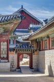 Portas no palácio de Gyeongbokgung, Seoul, Coreia do Sul Imagens de Stock